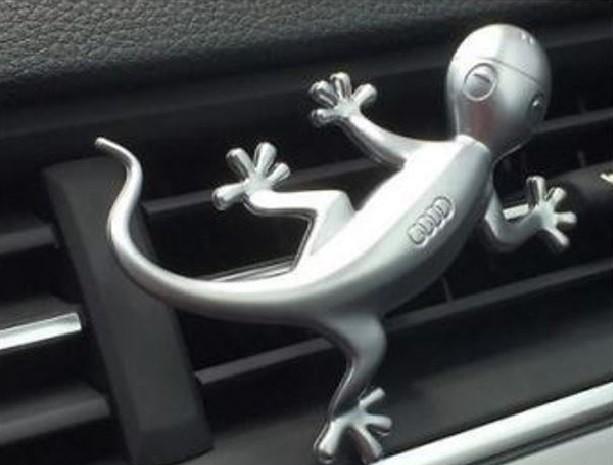 original audi designgecko gecko in aluminiumoptik. Black Bedroom Furniture Sets. Home Design Ideas