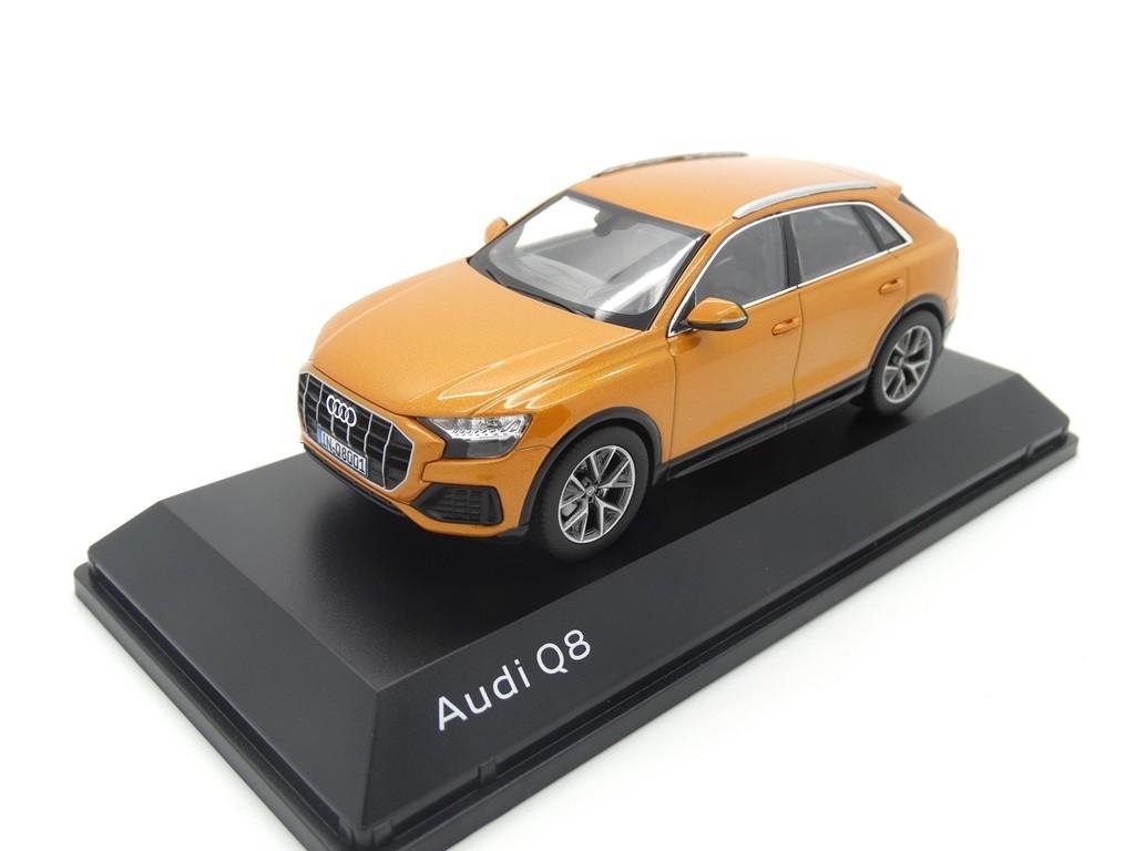 Audi Q8 Modellauto Miniatur 1:43 Drachenorange Orange