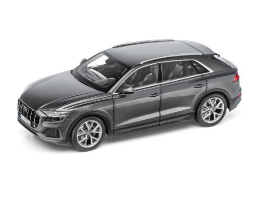 Audi Q8 Modellauto Miniatur 1:18 Norev Samuraigrau Grau