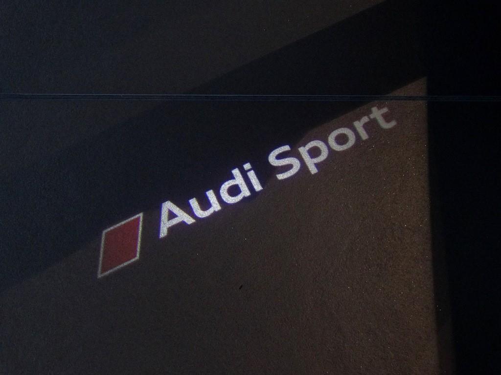 Original Audi Sport LED Einstiegsbeleuchtung Einstiegsleuchten Tür Leuchten