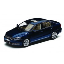 Original VW Volkswagen Passat Limousine 1:43 Modell Night Blue Metallic