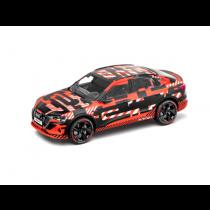 Audi e-tron Sportback Prototype 1:43 Modellauto Miniatur Schwarz/Rot 5012020033