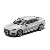 Audi A5 Coupé Modellauto 1:43 Modell 2016 Gletscherweiß