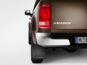 Original VW Amarok Schmutzfänger Satz hinten 2H0075101B