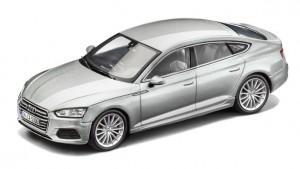Audi A5 Sportback Modellauto 1:43 Florettsilber Modell 2017 Spark